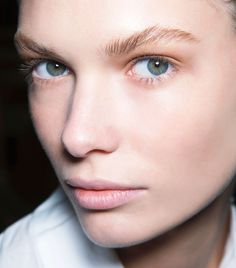 8 Beauty Tricks That Make Your Face Look Thinner via @ByrdieBeauty