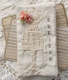 Crocheted dress form. Only inspiracion ༺✿ƬⱤღ✿༻