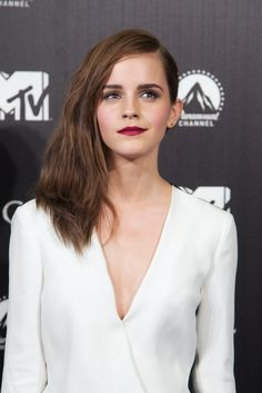 When she perfectly pulled off plum-coloured lips. | 19 Times Emma Watson Made You Wish You Were Emma Watson
