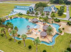This Home In Rural Texas Boasts The World S Largest Residential Swimming Pool Along With A 500