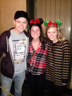 Damian McGinty Anna Claire Sneed with fan