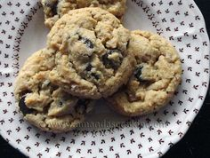 Peanut Butter Oatmeal Chocolate Chip Cookies - used crushed Wheaties instead of oatmeal & added c. Coconut Oil Cookies, Coconut Peanut Butter, Peanut Butter Oatmeal, Peanut Butter Cookies, Chocolate Chip Cookies Image, Chocolate Chip Oatmeal, Haitian Food Recipes, Delicious Desserts, Yummy Food
