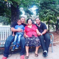 con mi mamá y el primo Alexander