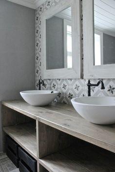 vasque salle de bain à poser, vasques rondes sur meuble en bois