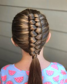 Dutch Infinity Braid by Erin Balogh #dutchinfinitybraid #infinitybraid #braids #braiding #erinbalogh #onhairwitherin