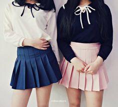Kawaii Fashion, Cute Fashion, Fashion Beauty, Dope Outfits, Skirt Outfits, Pleated Mini Skirt, Mini Skirts, Korean Accessories, Old Fashion Dresses