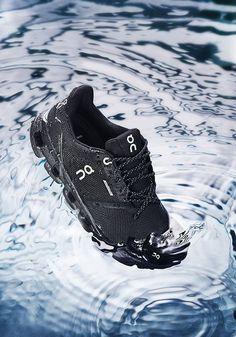 #cloudflyer #onrunning #on #running #laufschuh #running #shoe #runningshoe Running Shoes, Black And White, Sneakers, Fashion, Keep Running, Runing Shoes, Tennis, Moda, Slippers