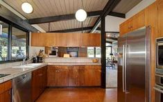 See beautiful pictures of Mid century modern kitchen cabinets. Select the desired option of Mid century modern kitchen cabinets and do a redesign of its premises. Modern Kitchen Cabinets, Modern Kitchen Design, Modern House Design, Kitchen Decor, Kitchen Ideas, Kitchen Trends, Kitchen Island, Kitchen 2016, Wood Cabinets