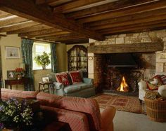 english country living room country living room photos of country living rooms room Cottage Living Rooms, Home And Living, Living Room Furniture, Living Room Decor, English Living Rooms, City Living, Salons Cottage, English Cottage Interiors, Country Style Living Room