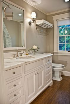 More Benjamin Moore Revere Pewter! Wonderful wall color. This time in bathroom with white/off white trim and vanity. Has a nice calm feel to it, From Postcards from the ridge.