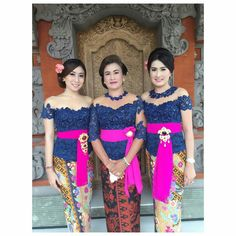 I 💗 Balinese Girls Kebaya Bali, Batik Kebaya, Kebaya Dress, Kebaya Brokat, Kebaya Muslim, Bridesmaid Dresses, Wedding Dresses, Elegant Dresses, Ikat
