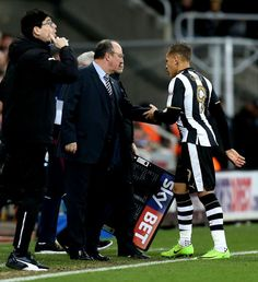 cool Crocked Newcastle striker Dwight Gayle set for further spell out after Benitez forced to substitute during Aston Villa victory Check more at https://epeak.info/2017/02/21/crocked-newcastle-striker-dwight-gayle-set-for-further-spell-out-after-benitez-forced-to-substitute-during-aston-villa-victory/