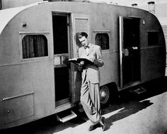 "Vintage Trailers - Jimmy Stewart on the set of ""It's a Wonderful Life"" - Vintage Campers Trailers, Airstream Trailers, Vintage Caravans, Retro Campers, Hot Trailer, Classic Campers, Vintage Rv, Vintage Hollywood"