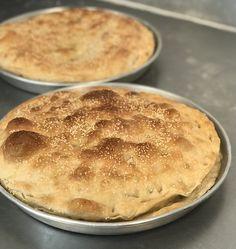Focaccia Cotto e Mozzarella - Breadbull - posted by www. Prosciutto, Mozzarella, Desserts, Food, Breads, Bakeware, Play Dough, Food Food, Bakken