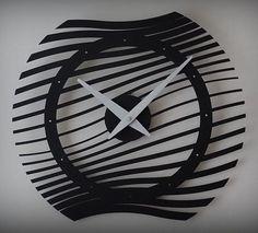 Nowoczesny zegar ścienny wykonany z metalu w stylu loft, średnica 40cm. Zegar ten nada twojemu wnętrzu niepowtarzalnego designu. Jego modernistyczni i minimalistyczny wygląd pasuję do większości wnętr ...