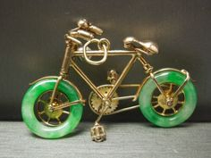 1950 10KT Gold Apple Green Jade & Pearl Bicycle Charm