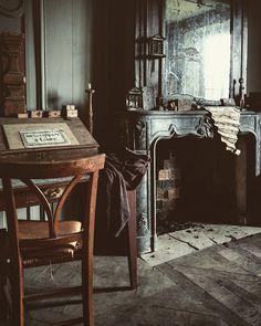 le Chateau, box artist, Peter Gabrielse's home. -