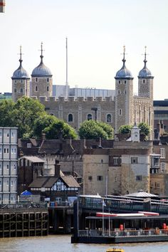 Tower of London: I visited as a child, and then walked past it to go to work for many many years. England And Scotland, England Uk, London England, Old London, London City, Places Around The World, Around The Worlds, Tower Of London, Famous Places