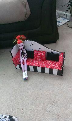 My monster high operetta bed