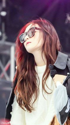 171231 Jessica Jung @ Taiwan Airport BLANC & ECLARE: Rome Sunglasses (Honey Tortoise With Solid Brown Lens)