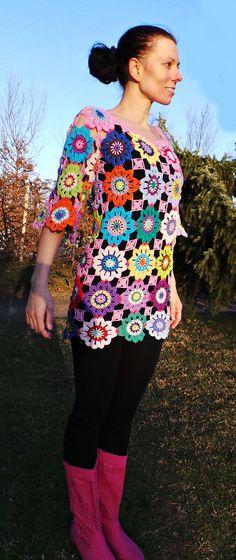 Artículos similares a Suéter del ganchillo hippie retro vintage estilo boho gitana floral abuela patchwork túnica vestido XS listo para enviar en Etsy