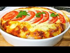 Fast and delicious food! Chicken breast cooked in oven with sauce Cabbage Recipes, Egg Recipes, Cooking Recipes, Cocina Light, Charcuterie Platter, Cook N, Garlic Chicken Recipes, Good Food, Yummy Food