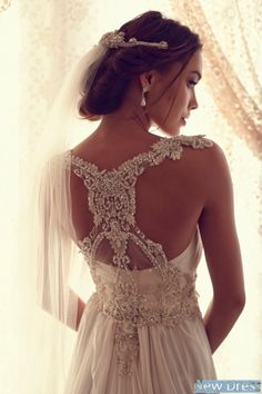 Love the photography that accentuates the dress and the Bride in the dress.