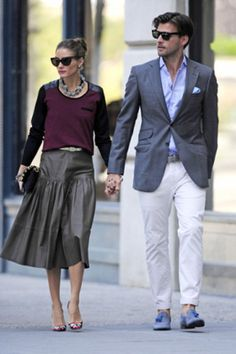 Olivia Palermo Johannes Huebl Photos - Stylish couple Olivia Palermo and Johannes Huebl hold hands while out and about in Brooklyn, New York City. - Olivia Palermo and Johannes Huebl Out Together Estilo Olivia Palermo, Look Olivia Palermo, Olivia Palermo Street Style, Olivia Palermo Outfit, Olivia Palermo Lookbook, Steal Her Style, Johannes Huebl, Stylish Couple, Herren Outfit
