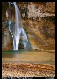 Lower Calf Creek Falls. Utah, USA