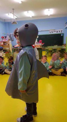 Disfraz de tiburón Carnival Costumes, Diy Halloween Costumes, Mermaid Crafts, Happy Party, Body Systems, Baby Shark, The Little Mermaid, School, Clothes