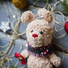 Малыш ищет маму!  Цена 600 руб + почта Sale.  Price 10 $ + shipping #зайчик #заяц #зайка #игрушка #детям #амигуруми #amigurumi #вязание #knitting #белый #шапка #шарф #игрушка #toy #toys #gift #подарок #handmade #ручнаяработа #рукоделие #hobby #хобби #новыйгод #праздник #рождество #christmas #newyear #bunny #rabbit #teddybunny #bell