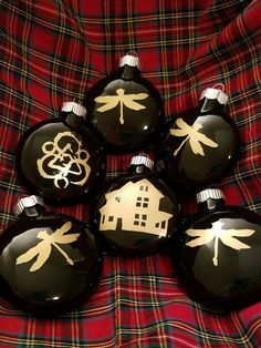 Hand stenciled and painted Coheed and Cambria glass ornaments. Coheed And Cambria, Silhouette Cameo Projects, Glass Ornaments, Home Projects, Vinyl Decals, Stencils, Christmas Bulbs, Wells, Holiday Decor