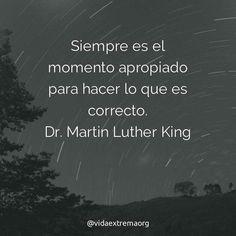 Aquí les comparto esta gran frase del Dr. Martin Luther King Jr. Quien se desempeño como pastor bautista y jugo un papel importante en la lucha por los derechos civiles en Estados Unidos. #Compasión #FrasesDeBendicion #Esperanza Imágenes cristianas gratis