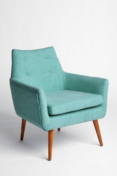 Modern Chair, love the blue. www.thesellablehome.co #midcentury #modern #blue