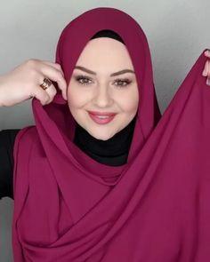 Turban Tutorial, Hijab Style Tutorial, Stylish Hijab, Hijab Chic, Daily Eye Makeup, Hijab Turban Style, Pink Wedding Gowns, Cute Headbands, Turkish Fashion