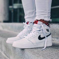 531257b8907 Nike Womens Zoom Winflo 3 Running Shoes (Mango Blue) - 10.0 M Jordans Shoes