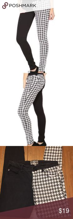 "Royal Bones Black & White Houndstooth denim jeans Skinny jeans. Waist laying flat 15 1/2"". Rise 9"". Inseam 31"" Royal Bones Jeans Skinny"