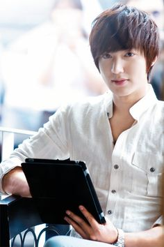 23 things you need to know about Lee Min Ho's new drama, HEIRS!
