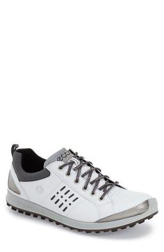 Free shipping and returns on ECCO 'Biom Hybrid 2 GTX' Golf Shoe (Men) at Nordstrom.com. A smart Gore-Tex® membrane provides waterproof protection in a sporty golf shoe shaped from supple leather for day-one comfort and fitted with a dual-density outsole built for superior grip for a powerful swing.