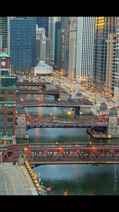 Chicago Riverwalk: Chicago River bridges [ From Cityscape Bar, Holiday Inn] Chicago Usa, Chicago Travel, Chicago City, Chicago Illinois, Travel Usa, Milwaukee City, Chicago Skyline, Places To Travel, Places To Visit