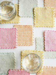 DIY Pin Loom Coasters, Tutorial from Whits Knits on The Purl Bee.