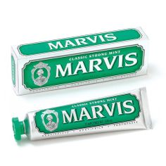 Marvis is a classic toothpaste from Italy created using traditional methods to guarantee a rich, creamy paste. What makes Marvis unique is the range Flavored Toothpaste, White Smile, Male Grooming, Cool Gear, Oral Hygiene, Oral Health, Dental Care, Whitening, Shaving