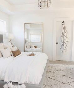 Master bedrooms, minimalistic bedrooms, luxury bedrooms and everything bedroom related for your bedroom interior. Master bedrooms, minimalistic bedrooms, luxury bedrooms and everything bedroom related for your bedroom interior. Gold Bedroom Decor, Room Ideas Bedroom, Dream Bedroom, Home Bedroom, Master Bedrooms, Bedroom Mirrors, Master Suite, Airy Bedroom, White Bedroom Walls
