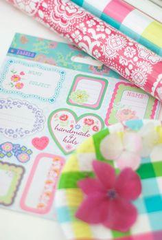 Stickers, cadeaupapier, kleurtjes, HEMA.