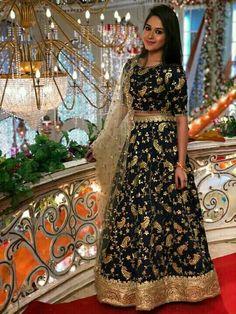 Jannat Zubair Ethnic Wardrobe Is Proof Shows Love for Lehengas; See Pictures Indian Lehenga, Silk Lehenga, Indian Gowns, Indian Wear, Indian Outfits, Indian Saris, Lehenga Blouse, Indian Clothes, Lehenga Designs