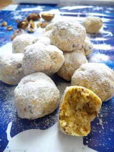 Bulgarasi cu nuca din categoria Dulciuri diverse. Cum sa faci Bulgarasi cu nuca Cookie Recipes, Dessert Recipes, Desserts, Opera Cake, Yummy Cookies, Scones, Biscotti, Good Food, Favorite Recipes