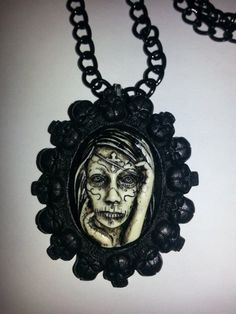 www.amantmort.etsy.com *Dia De Los Muertos, Day of the Dead Cameo with skull setting