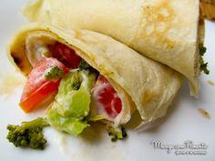 Panquecas de Brócolis e Tomate com Requeijão, perfeito para quem procura um almoço leve para uma semana movimentada. Clique na imagem para ver a receita no blog.