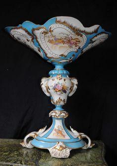 Sevres - only Sevres. Just divine artwork and detailing #heirloomheaven