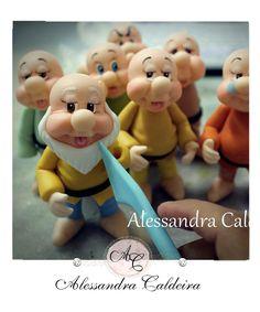 Ateliê Alessandra Caldeira Modelagem em Biscuit: Turma de Branca de Neve 7 anões....